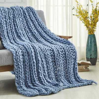 "INSPIRED HOME DECOR Vielkis Light Blue Throw Cozy 100% Polyester 50""x70"" - Home Depot"