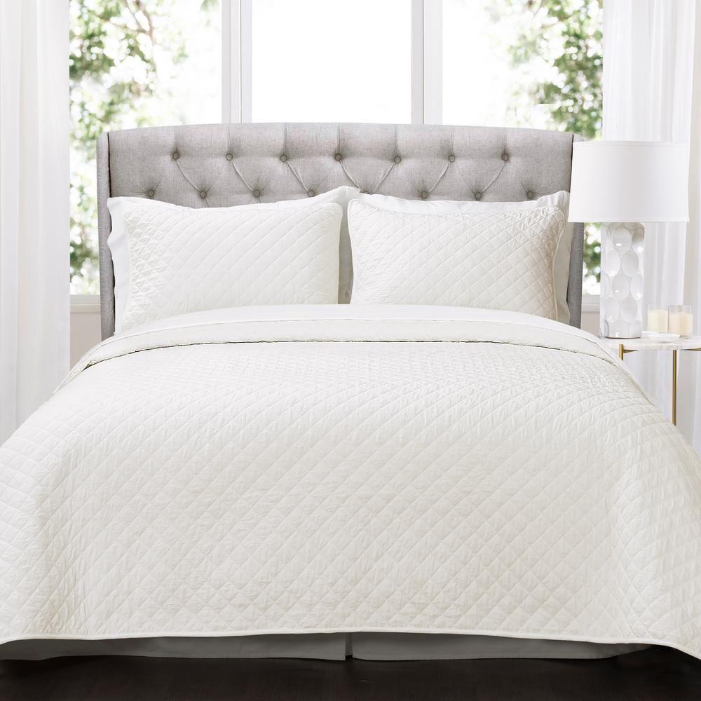 Ava Diamond Oversized Cotton Quilt White 3-Piece Full/Queen Set